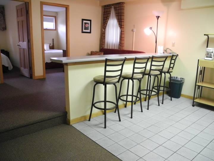 Suite second floor chairs