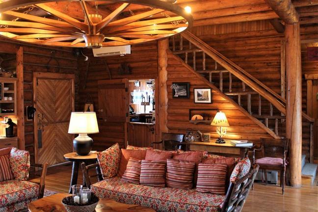 Lounge room at Loon Lodge