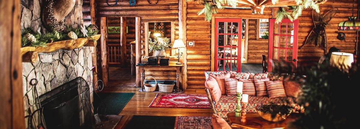 Living room at Loon Lodge