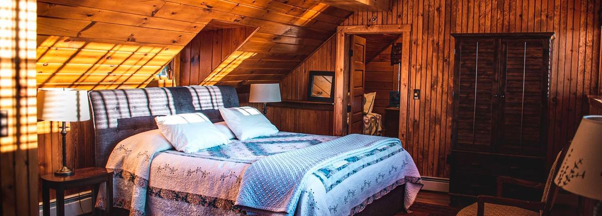 Room at Loon Lodge