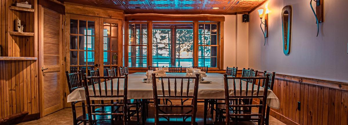 Loon Lodge dining room