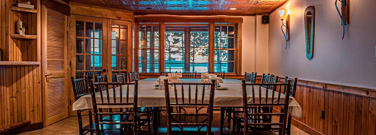 Loon Lodge dining room