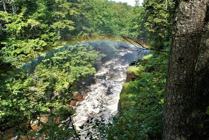 This is how Rainbow falls earned its name (Credit: Wm Hill/Hiking the trail to yesterday)