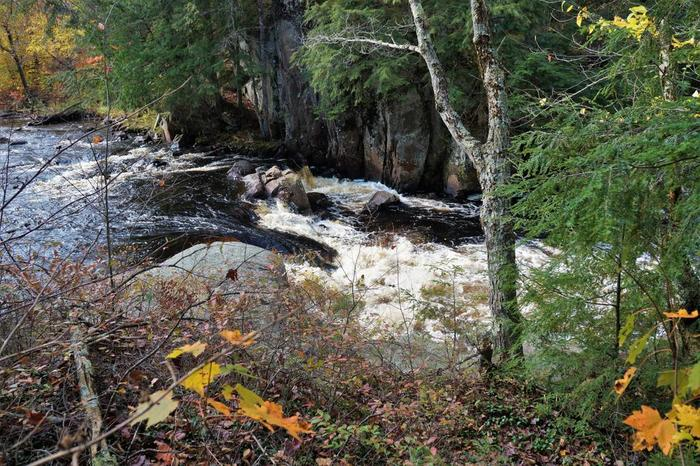 Upper Sinclair falls is a bushwhack of a couple hundred yards above the lower falls (Credit: Wm Hill/Hiking the trail to yesterday)