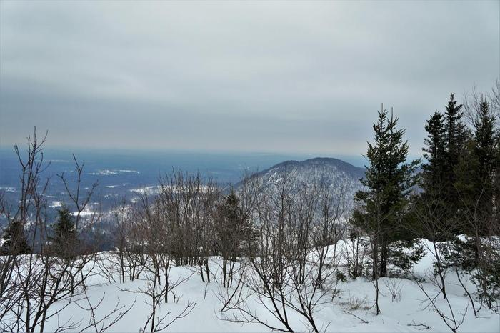 Winter views from Azure (Credit: Wm.Hill/Hiking the trail to Yesterday)