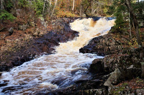 Second set of falls (Credit: Wm Hill/Hiking the trail to yesterday)