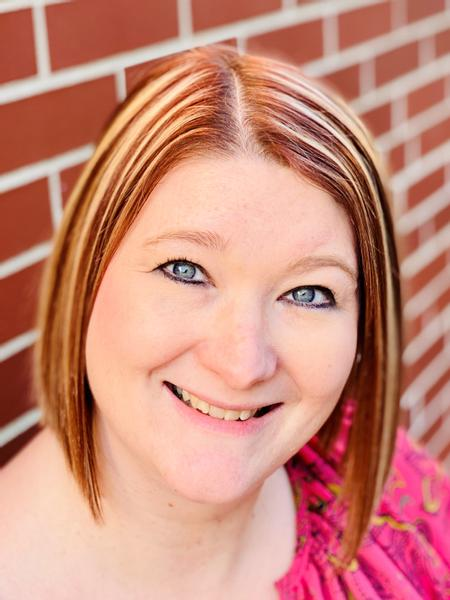 Amber Smith, Sales Agent