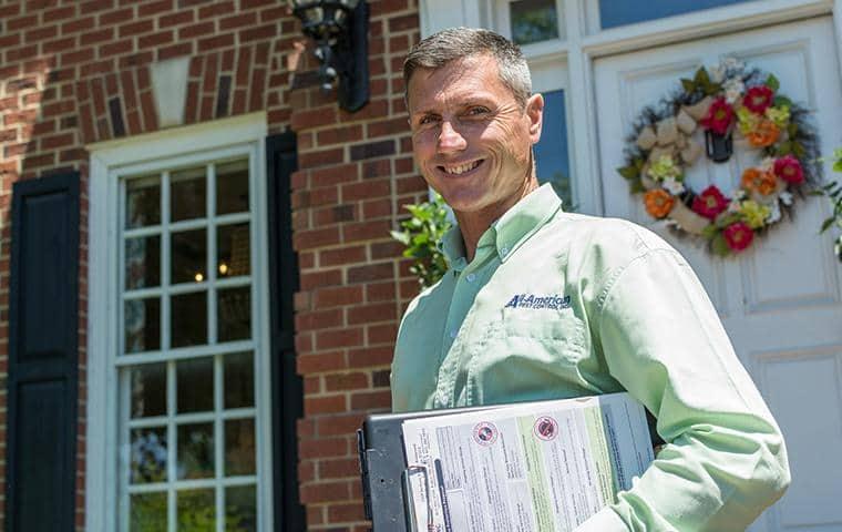friendly home pest control technician in nashville tn