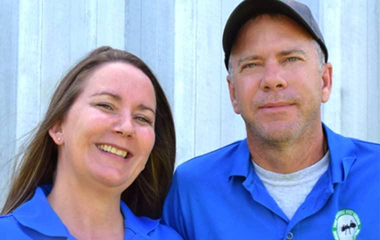 four seasons hometown pest control service technicians