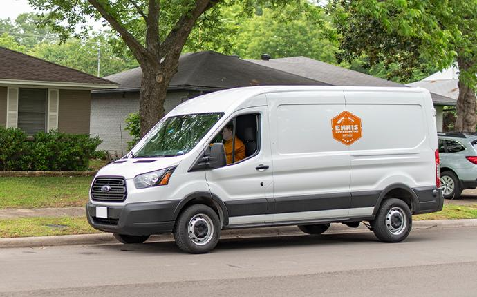 company van pulling up to house in fayetteville georgia